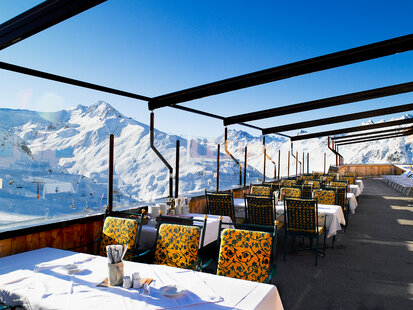 Roof terrace of the mountain restaurant Idalp in Ischgl