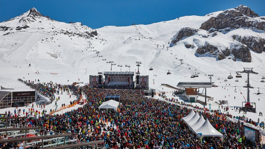 "Tickets for the ""Top of the Mountain Closing with Lenny Kravitz"" in Ischgl as a prize of the smuggler's circuit competition"